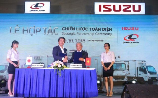 Quá trình lễ ký kết hợp đồng hợp tác giữa Quyền Auto và ISUZU Việt Nam 2018