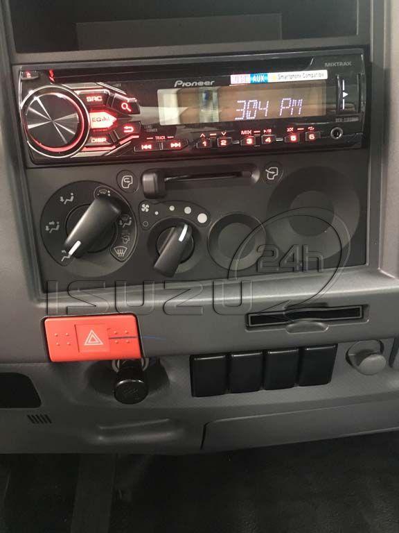 CD/DVD Radio quạt gió xe tải Isuzu 5 tấn NQR 550 thùng dài 6.2m