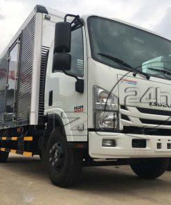 Cabin bên phụ xe tải Isuzu 5 tấn NQR 550 thùng kín inox dài 6.2m