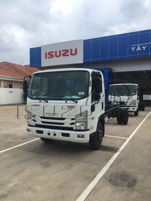 Cabin chassi xe tải Isuzu 5 tấn NQR 550 thùng dài 6.2m