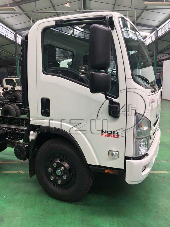 Cửa cabin bên phụ xe tải Isuzu 5 tấn NQR 550 thùng dài 6.2m