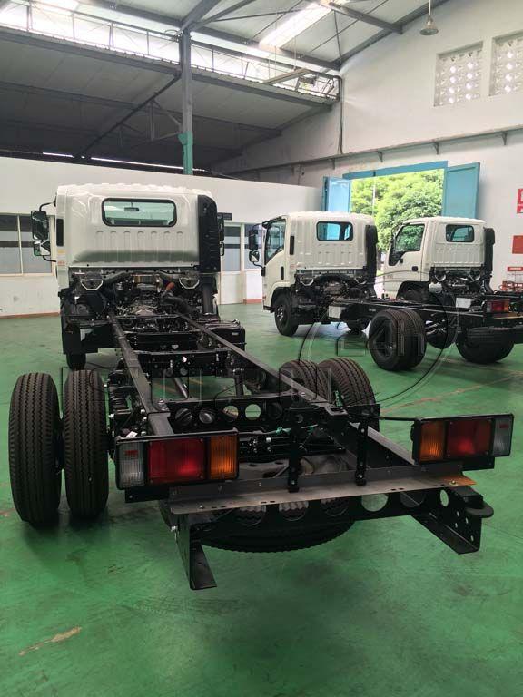 Đèn lái sau xe tải Isuzu 5 tấn NQR 550 thùng dài 6.2m