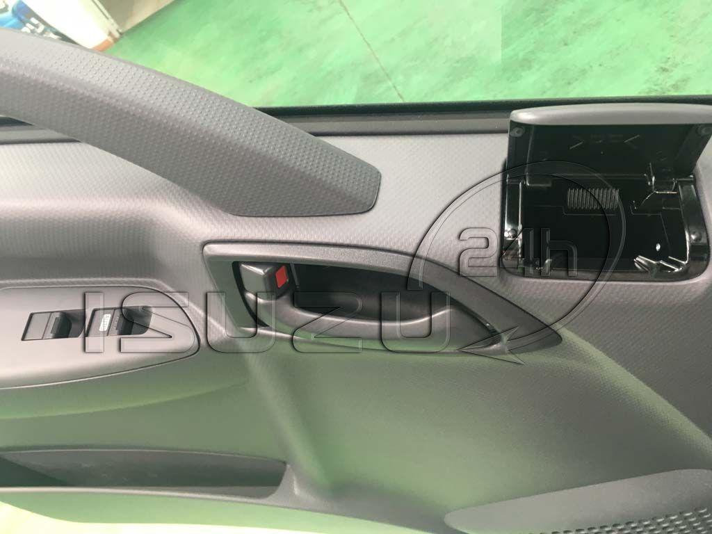 Hệ thống kính chỉnh điện xe tải Isuzu 5 tấn NQR 550 thùng dài 6.2m