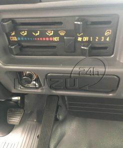 Hệ thống quạt gió, máy lạnh, radio cd trên xe tải Isuzu Qkr 270 1t9 2t4