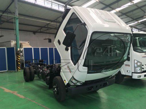Lật cabin xe tải Isuzu Qkr 270 1t9 2t4