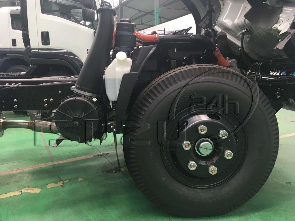 Lốp trước 7.50-16 xe tải Isuzu 5 tấn NQR 550 thùng dài 6.2m