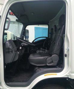 Nội thất xe tải Isuzu 5 tấn NQR 550 thùng dài 6.2m