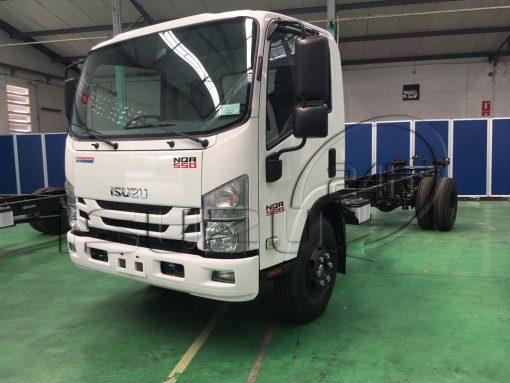 Tổng quan xe tải Isuzu 5 tấn NQR 550 thùng dài 6.2m