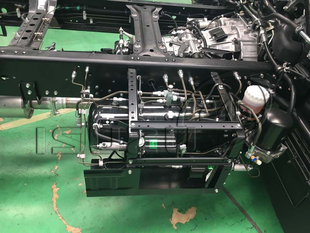 Bình hơi khí nén Xe tải Isuzu FRR 650 6t thùng dài 6m7