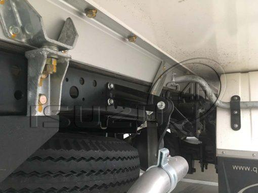 Đà thhùng và bát liên kết thùng xe tải Isuzu 1t9 thùng đông lạnh Quyền Auto
