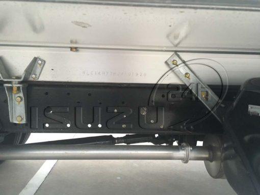 Bát thùng chống xô xe tải Isuzu 1t9 thùng đông lạnh Quyền Auto