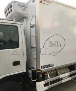 Cầu thang thùng xe tải Isuzu 1t9 thùng đông lạnh Quyền Auto