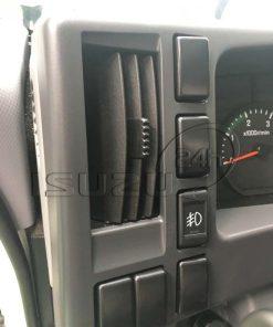 Cửa gió và nút đèn cản Xe tải Isuzu FRR 650 6t thùng dài 6m7