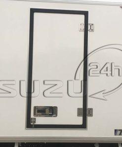 Cửa hông xe tải Isuzu 1t9 thùng đông lạnh Quyền Auto