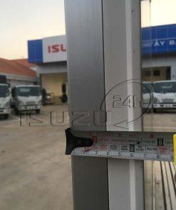 Độ dày tấm panel cửa hông xe tải Isuzu 1t9 thùng đông lạnh Quyền Auto