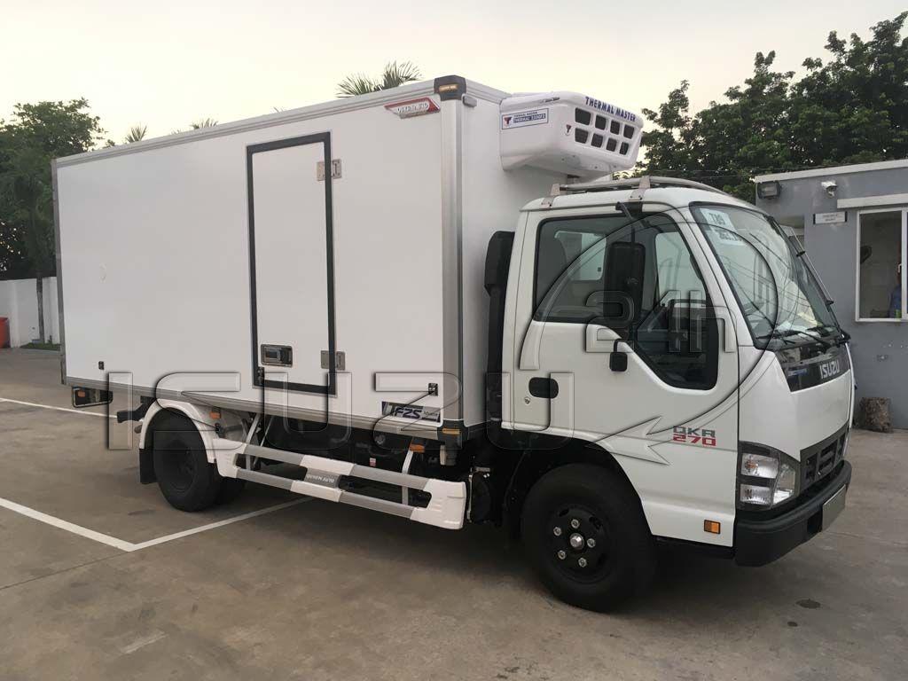 Góc nhìn tổng quát xe tải Isuzu 1t9 thùng đông lạnh Quyền Auto