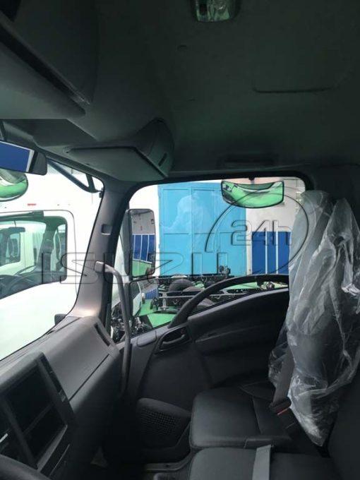 Nội thất cabin Xe tải Isuzu FRR 650 6t thùng dài 6m7