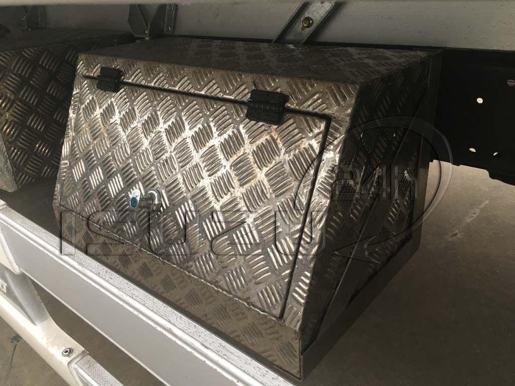 Thùng inox đựng đồ nghề xe tải Isuzu 1t9 thùng đông lạnh Quyền Auto