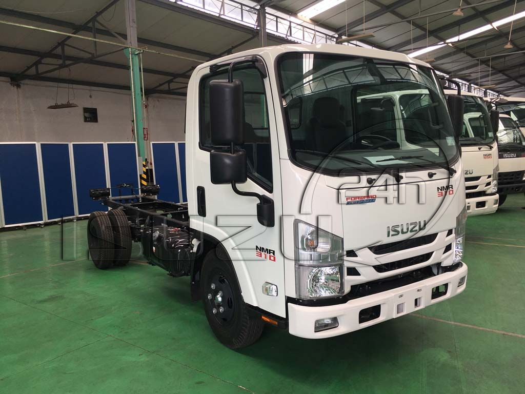 Cabin bên phụ xe tải Isuzu 1T9 đầu vuông nhập Nhật NMR 310