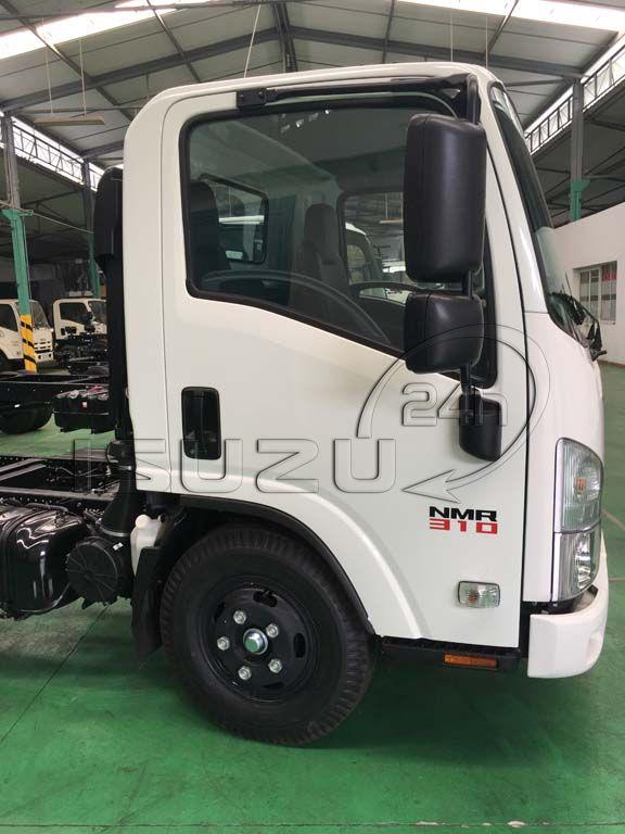 Cửa cabin và decal xe tải Isuzu 1T9 đầu vuông nhập Nhật NMR 310