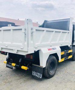 Phía sau thùng xe tải ben tự đổ Isuzu 2 khối tải trọng 1t9 2t4 QKR 230