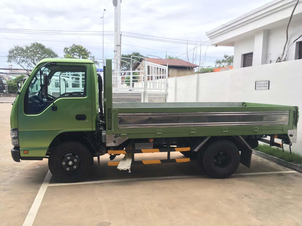 Thùng xe tải Isuzu 2t4 QKR 230 thùng 3m6