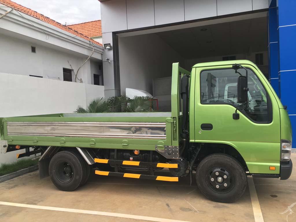 Tổng thể xe tải Isuzu 2t4 QKR 230 thùng 3m6
