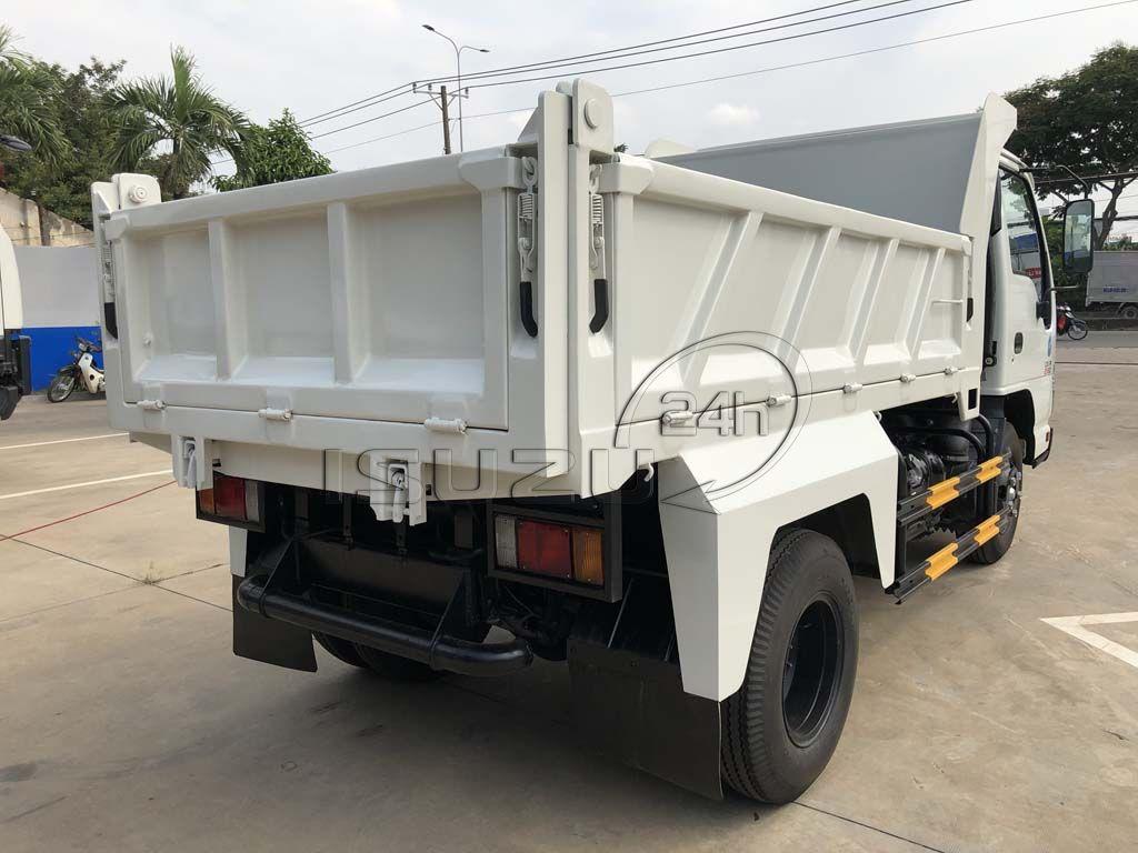 Cạnh hông xe ben Isuzu QKR 230 tải trọng 2T thùng 2 khối
