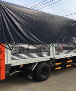 Cạnh xe tải Isuzu QKR 270 1T9 gắn bửng nâng hạ hàng