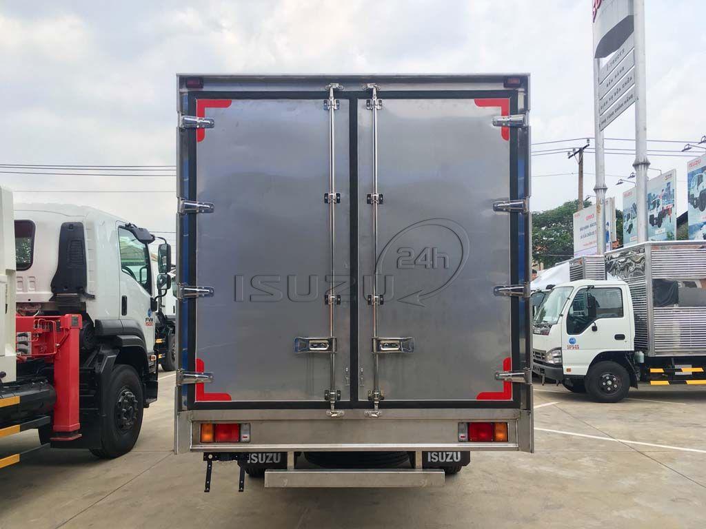 Cửa sau thùng xe tải Isuzu 5T NQR 550 thùng kín full Inox