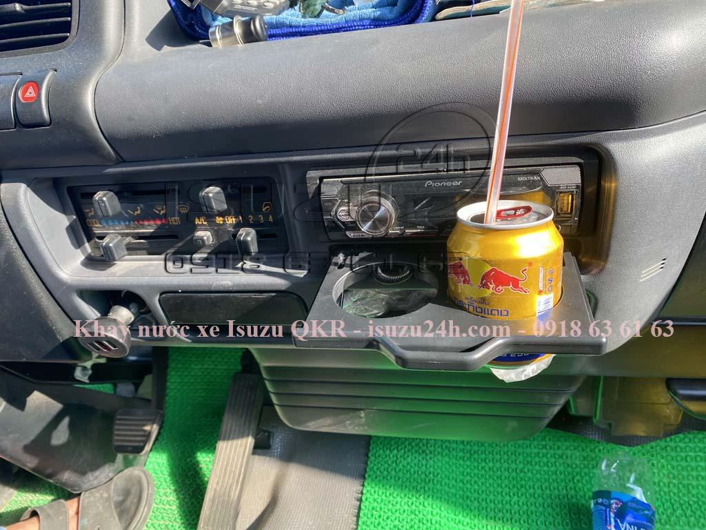 Khay đựng ly (cốc) nước xe tải Isuzu QKR230
