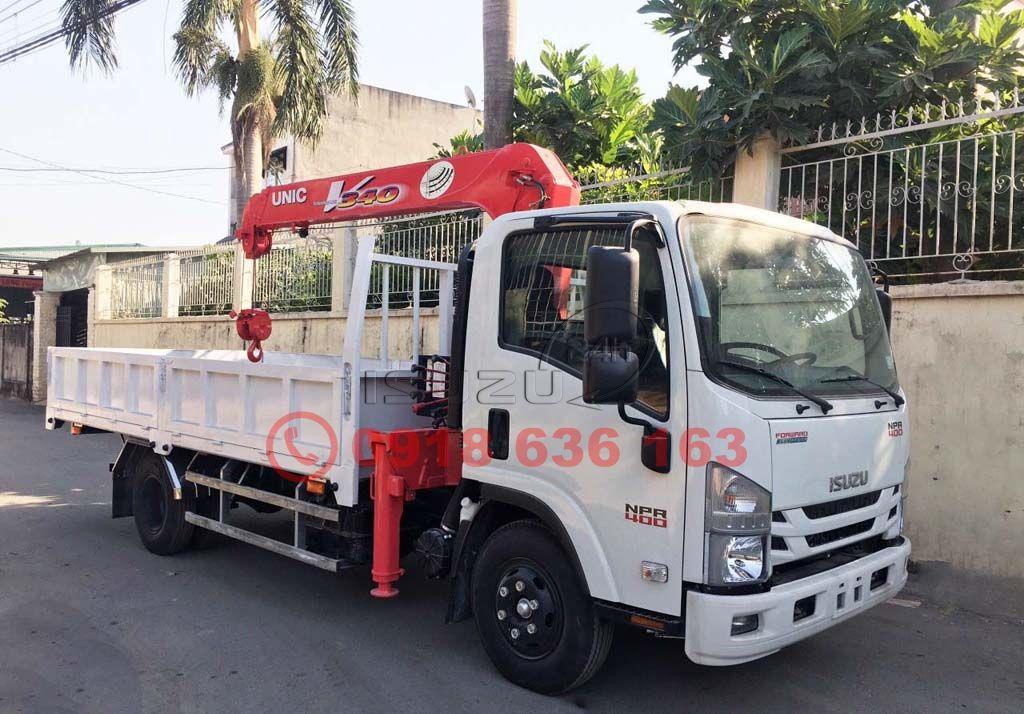 Xe tải Isuzu NPR 400 thùng lửng gắn cẩu UNIC 3 tấn 3 khúc