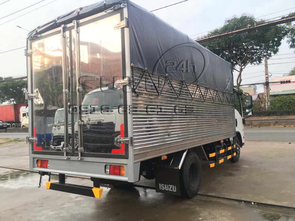 Xe tải Isuzu đầu Vuông NMR310 1T9 Thùng Kèo Mui Bạt