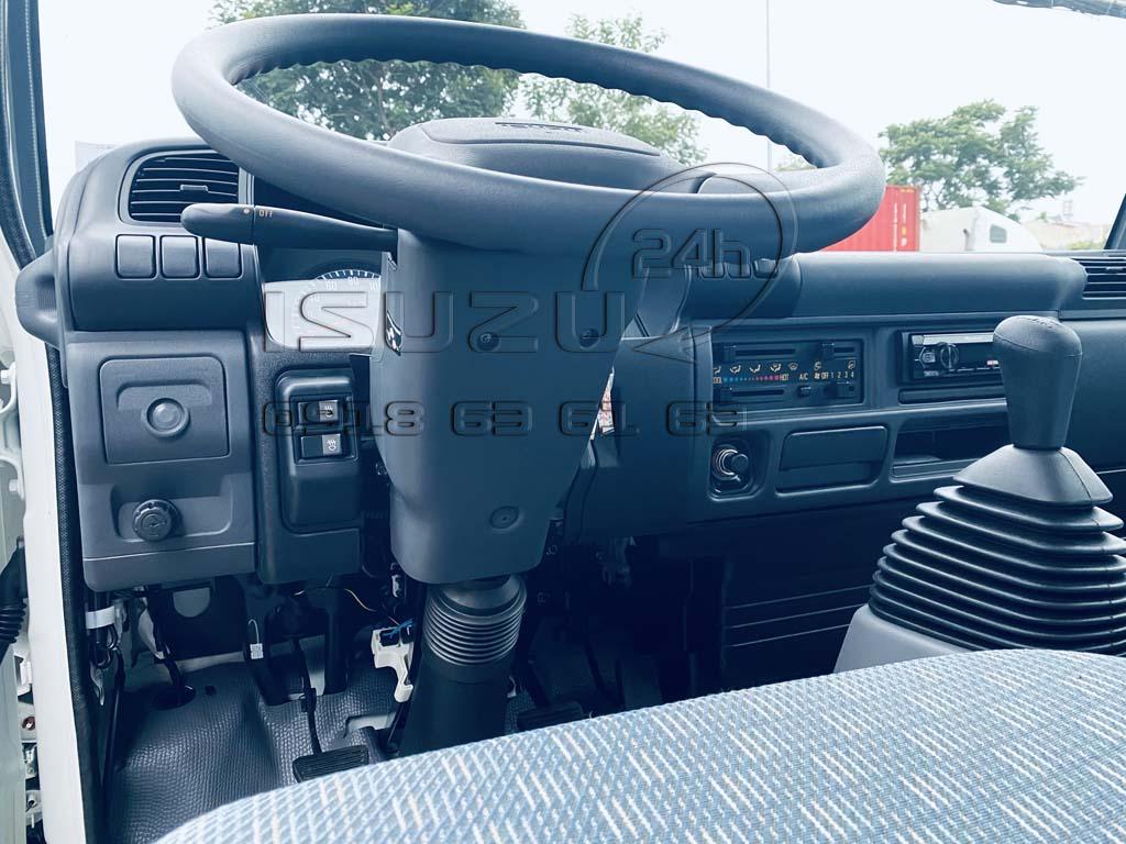 Vô-lăng xe tải Isuzu QKR270 Thùng Kín Bảo Ôn Quyền Auto F2LB