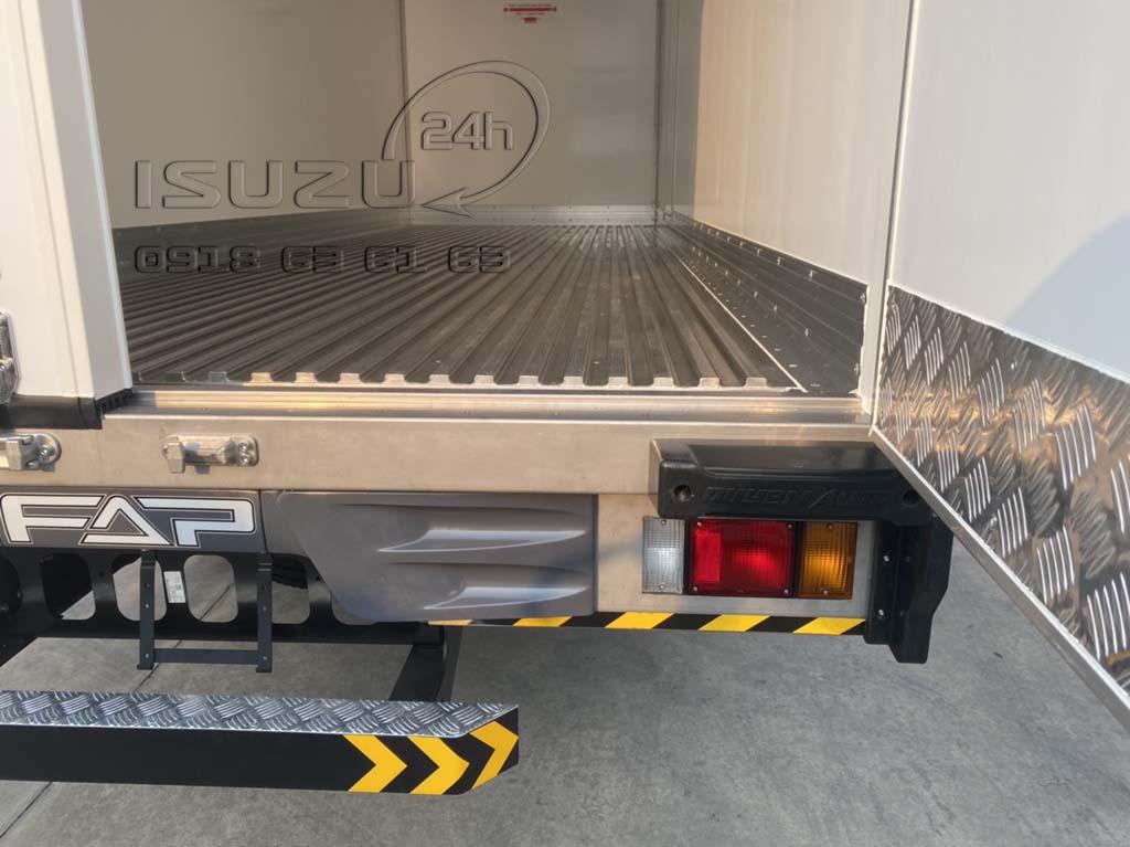 Gia cố vách inox 304 chống va đập Xe tải Isuzu FRR 650 đông lạnh thùng Quyền Auto
