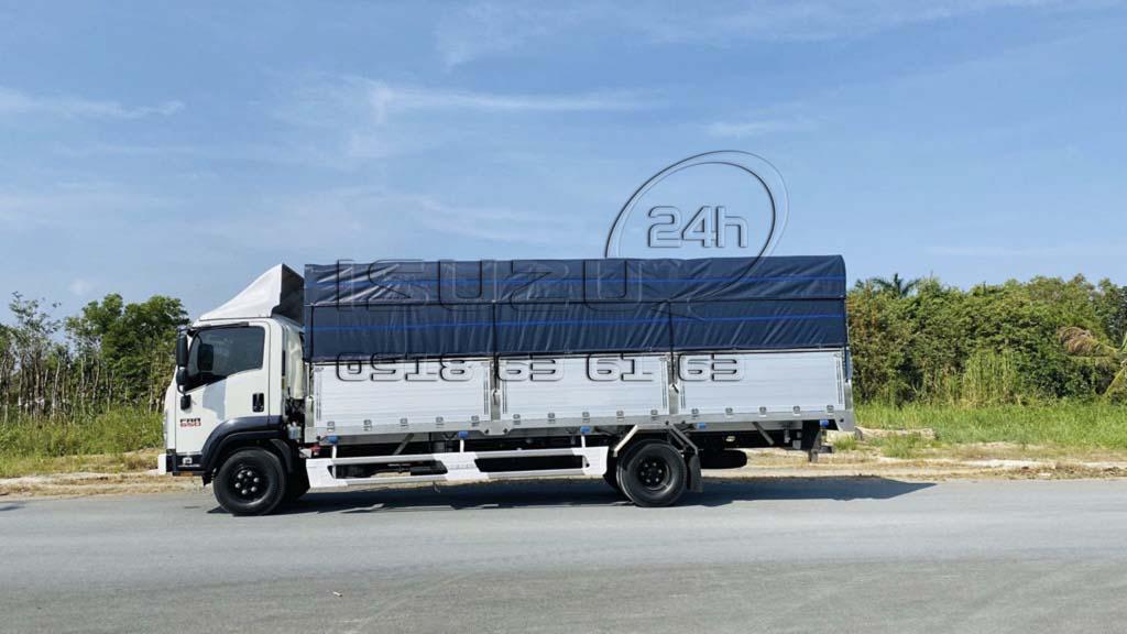 Bên tài xe tải Isuzu FRR 650 6T5 thùng mui bạt bửng nhôm full inox 6t5