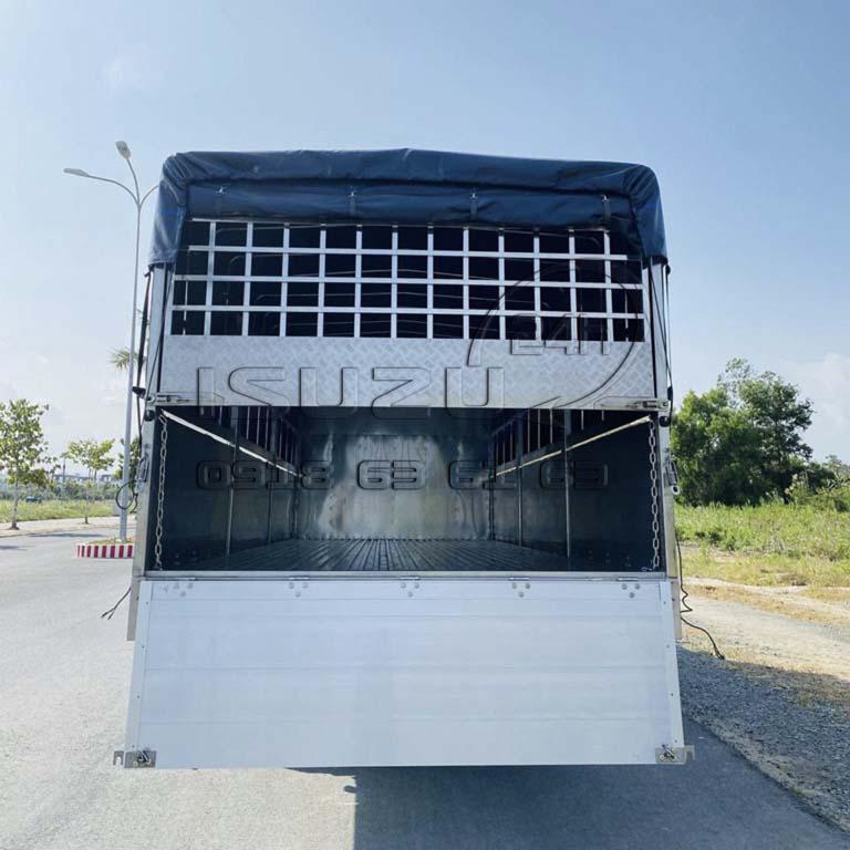 Vỉ sau xe tải Isuzu FRR 650 6T5 thùng mui bạt bửng nhôm full inox 6t5