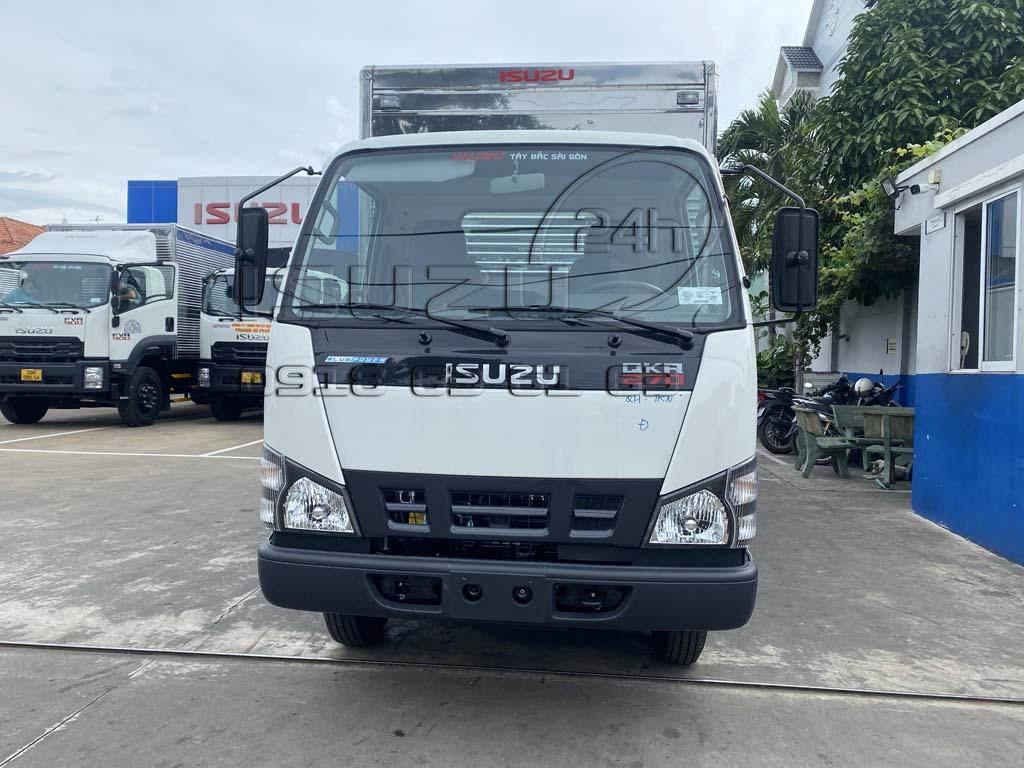 Phía trước xe tải Isuzu QKR 270 thùng kín inox 1t9